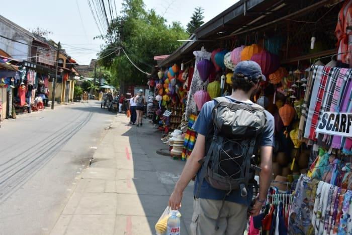 סיור בשוק מקומי בויאטנם הויאן